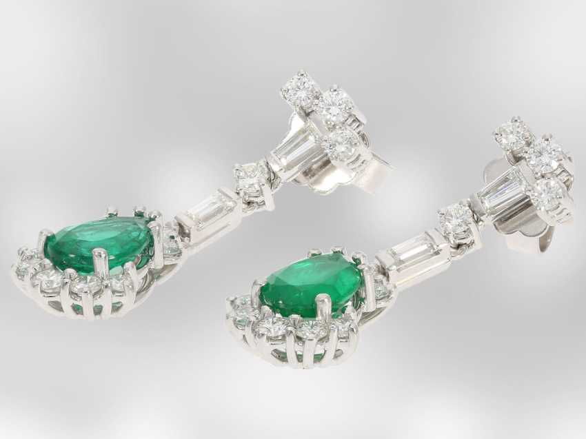 Earrings: elegant ladies earrings with diamonds/brilliant and very beautiful emerald drops, 18K white gold, the court jeweller Roesner - photo 2