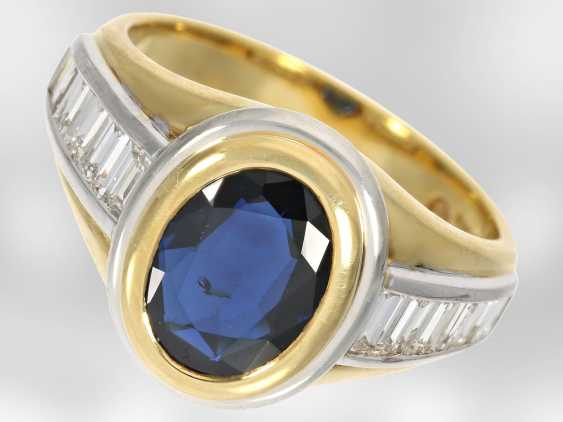 Ring: new classic sapphire ring with diamonds, total approx. 3,48 ct, 18K Gold - photo 1