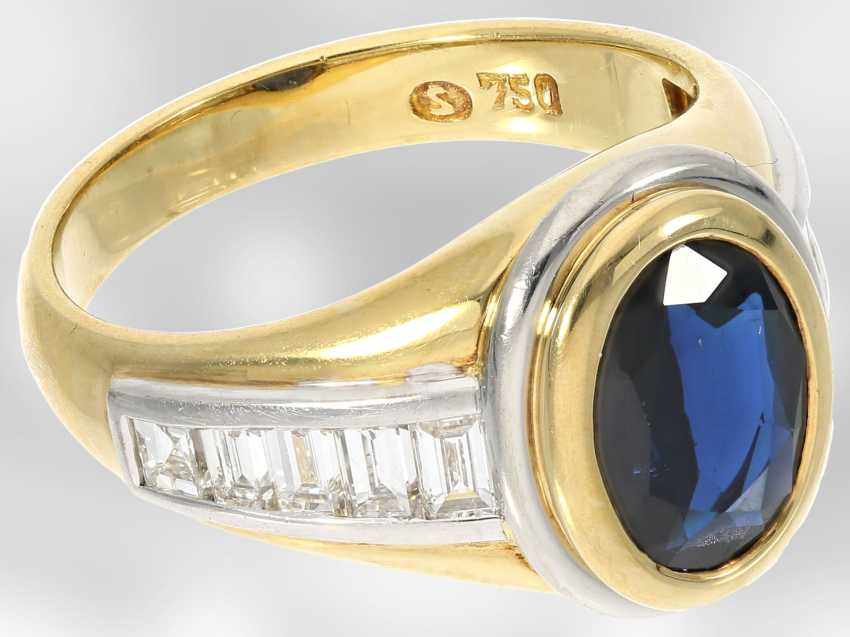 Ring: new classic sapphire ring with diamonds, total approx. 3,48 ct, 18K Gold - photo 4
