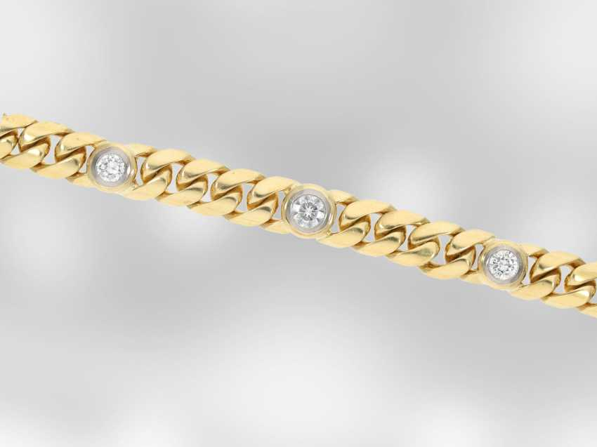 Bracelet: solid gold curb bracelet with brilliant-cut diamonds, approx. of 1.56 ct, 18K yellow gold, hand-work of the court jeweller and Roesner - photo 3