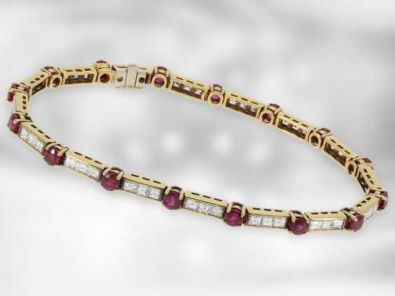 Bracelet: fine vintage ruby/diamond bracelet made of 18K Gold, a total of approximately 7.4 ct, goldsmith made the court jeweller and Roesner, original label over €14.200,- - photo 1
