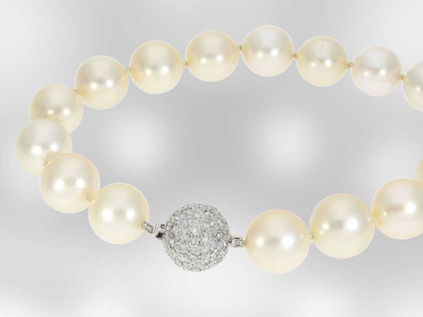 Necklace/Collier: high-quality vintage cultured South sea clasp pearl necklace with a fine, Brilliant, hand-work of the court jeweller and Roesner - photo 2