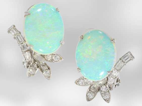 Earrings: decorative, formerly expensive white gold earrings with beautiful opals and diamonds, 18K white gold, vintage hand work of the court jeweller and Roesner - photo 1