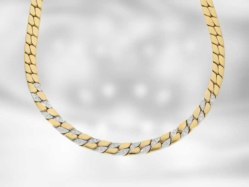 Chain/necklace: massive flat armor necklace with diamonds, 18K Gold, gold-wrought hand work of the court jeweller and Roesner - photo 2