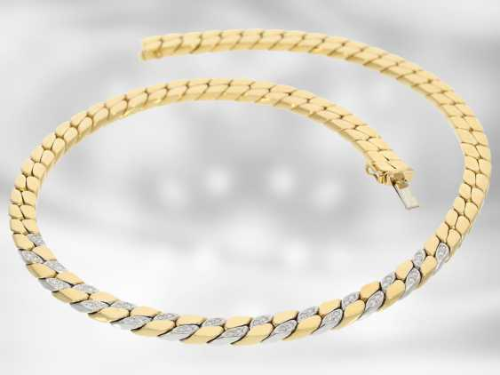 Chain/necklace: massive flat armor necklace with diamonds, 18K Gold, gold-wrought hand work of the court jeweller and Roesner - photo 3