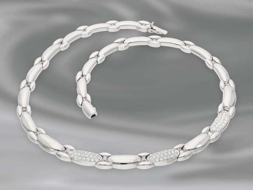Necklace/Collier: very attractive, very heavy and solid made ladies necklace with a fine diamond trimming, approx. 2,1 ct, crafted in 18K white gold - photo 2
