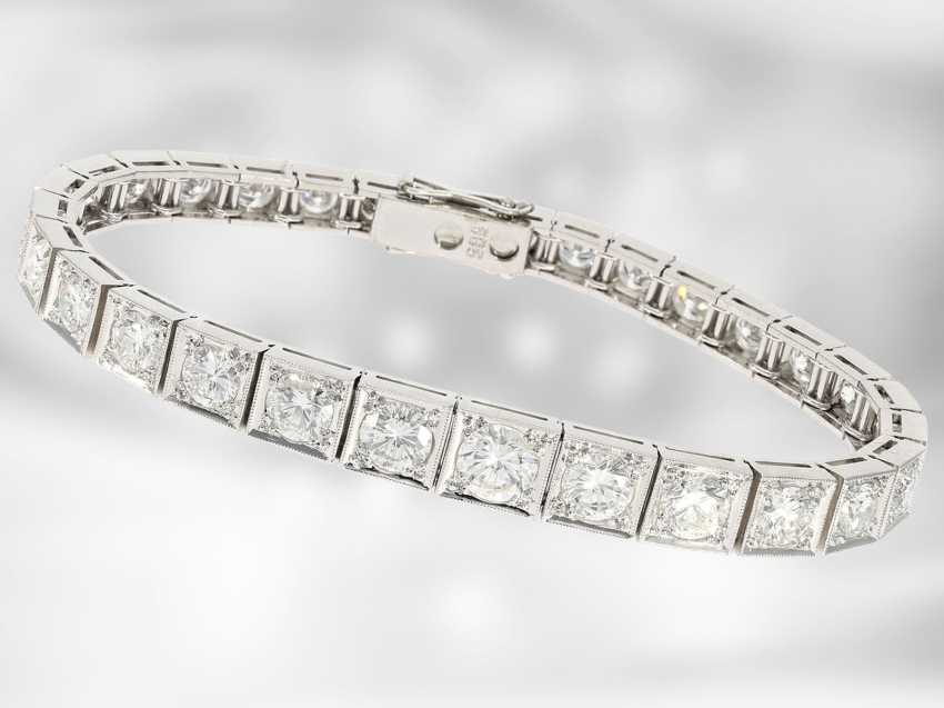 Bracelet: exclusive, top-class brilliant bracelet in 14K white gold, expensive manual labor, approximately 10.3 ct brilliant-cut diamonds, the court jeweller Roesner from the time of the Art Deco - photo 1