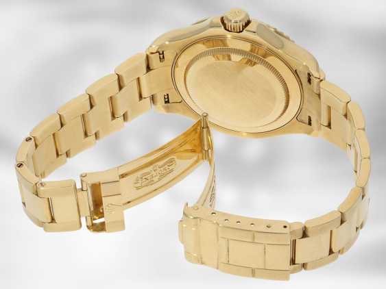 Watch: luxury Rolex watch, Yachtmaster Ref.16628 in gold, original papers, chronometer certification and Rolex calendar from 2003 - photo 5