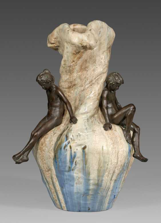 Significant sculptural art Nouveau-style Vase with figures of children - photo 1