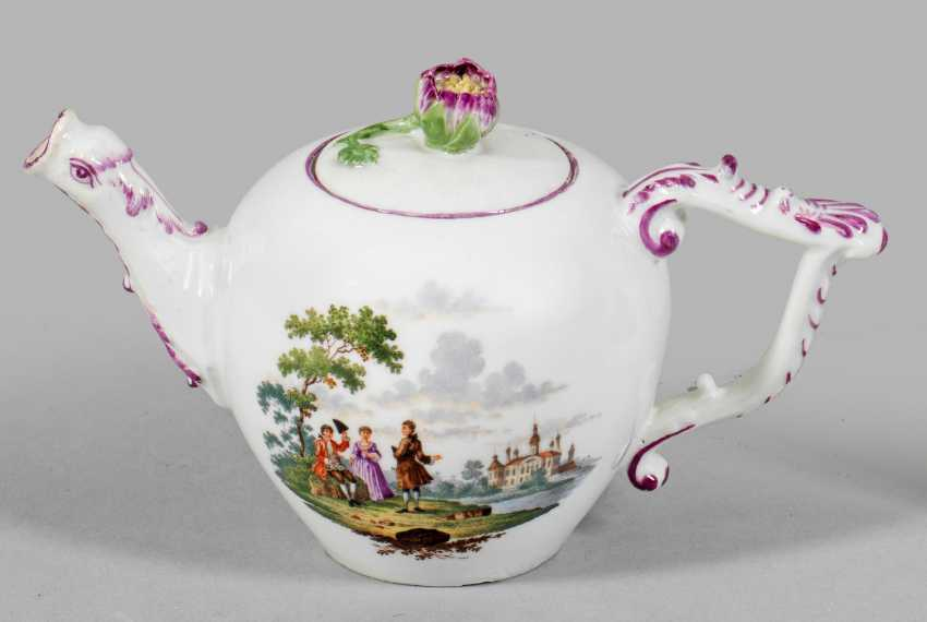Miniature teapot with Watteau scenes - photo 1
