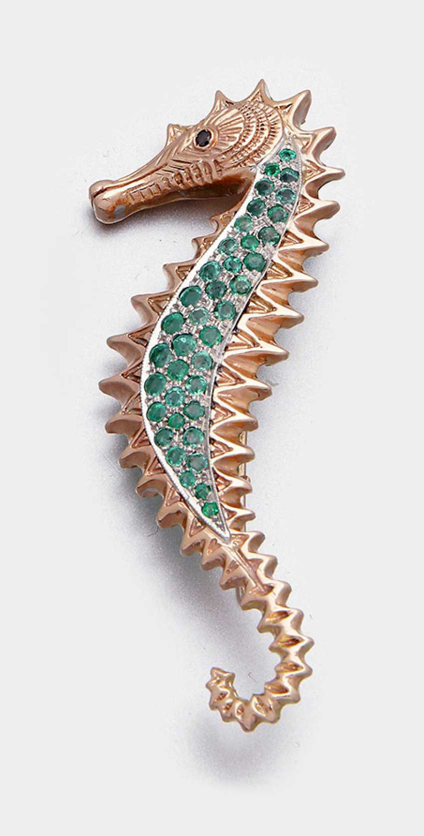 Seahorse brooch with emeralds - photo 1