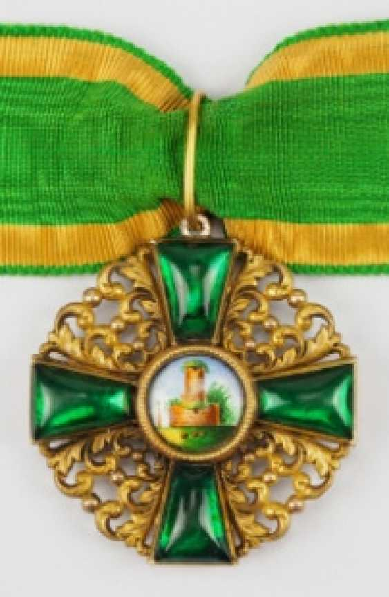 Baden: Grand of the order of the Zähringer lion, knight commander's cross of the Duke.