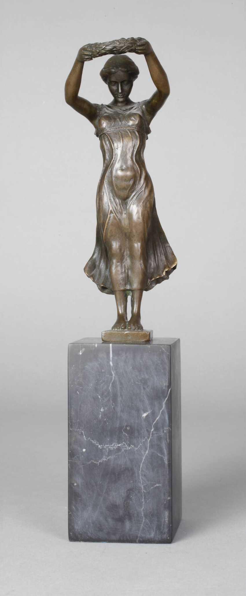 Pittaluga, déesse de la victoire, avec une couronne de Laurier - photo 1