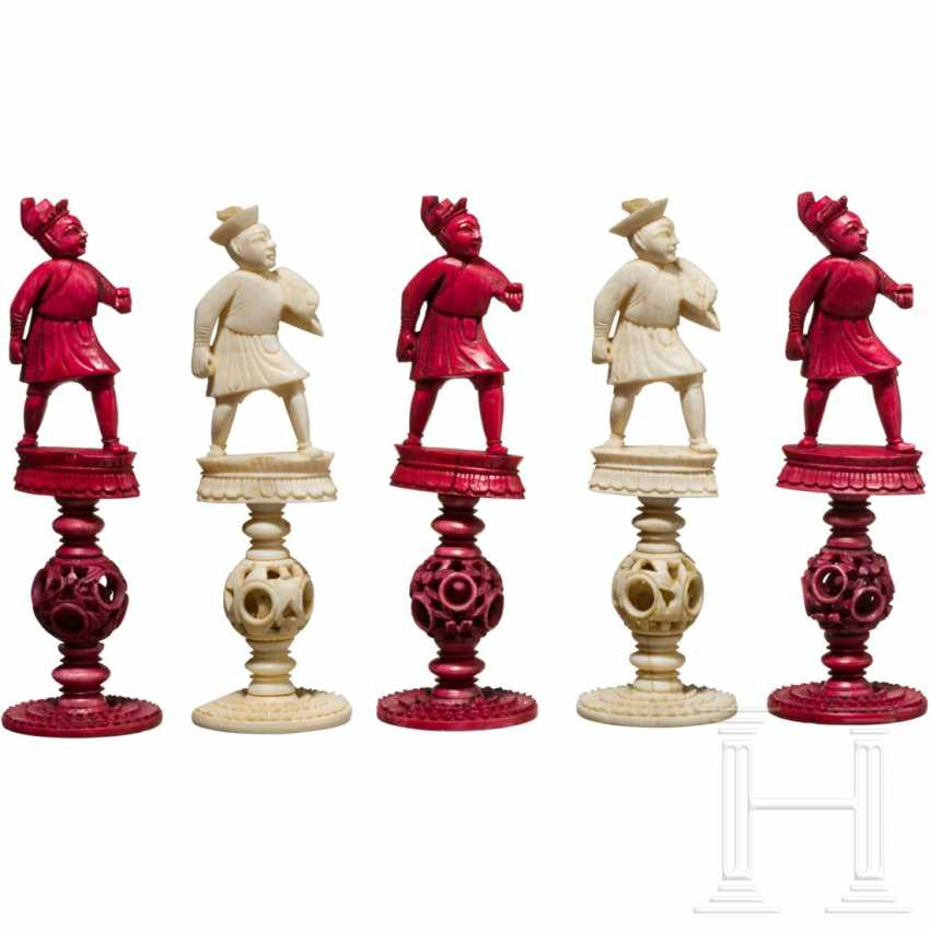 Carved chess set game made of ivory, China, Canton, 19th century. Century - photo 6