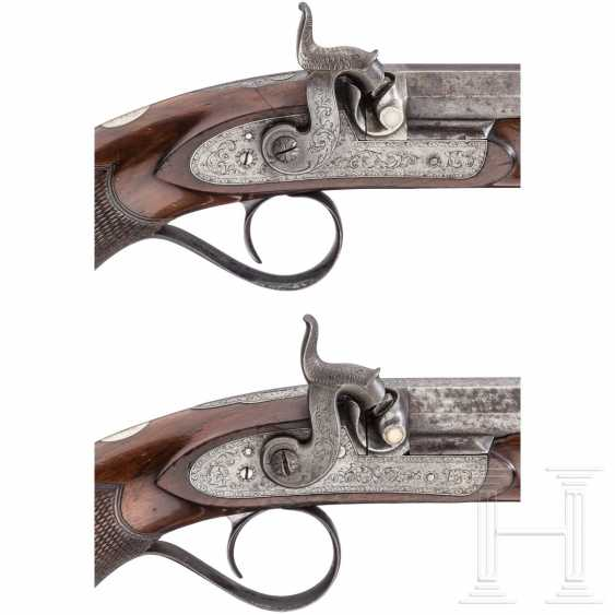A Pair of percussion pistols in the box, Edward & William Bond, London, circa 1840 - photo 4