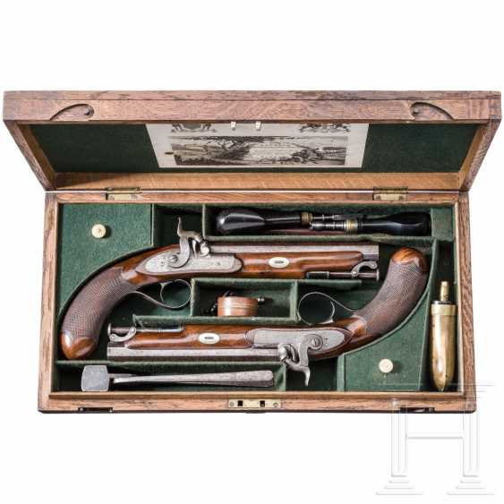 A Pair of percussion pistols in the box, Edward & William Bond, London, circa 1840 - photo 5
