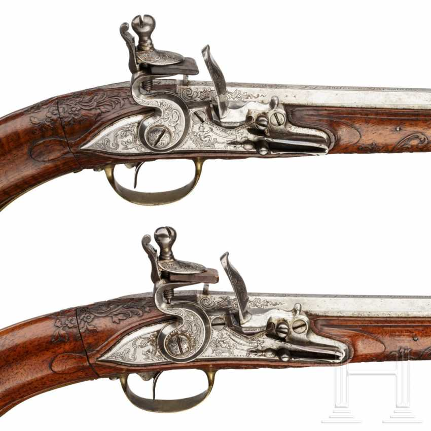 A rare Few wind pistols in flintlock-Optik, Friedrich Jacob Bosler, Darmstadt, around 1740/50 - photo 7