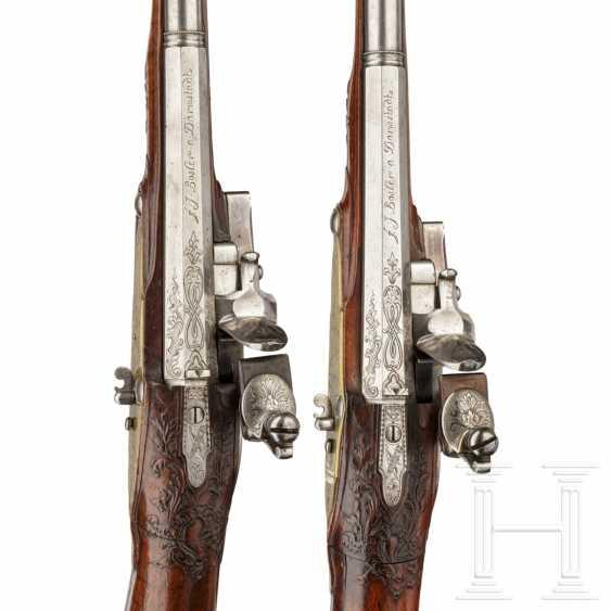 A rare Few wind pistols in flintlock-Optik, Friedrich Jacob Bosler, Darmstadt, around 1740/50 - photo 8