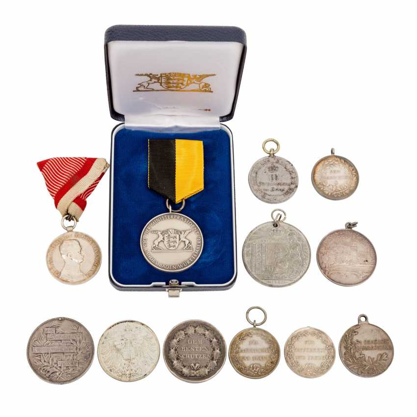 Lot of 12 awards and medals, mostly before 1918, - photo 1