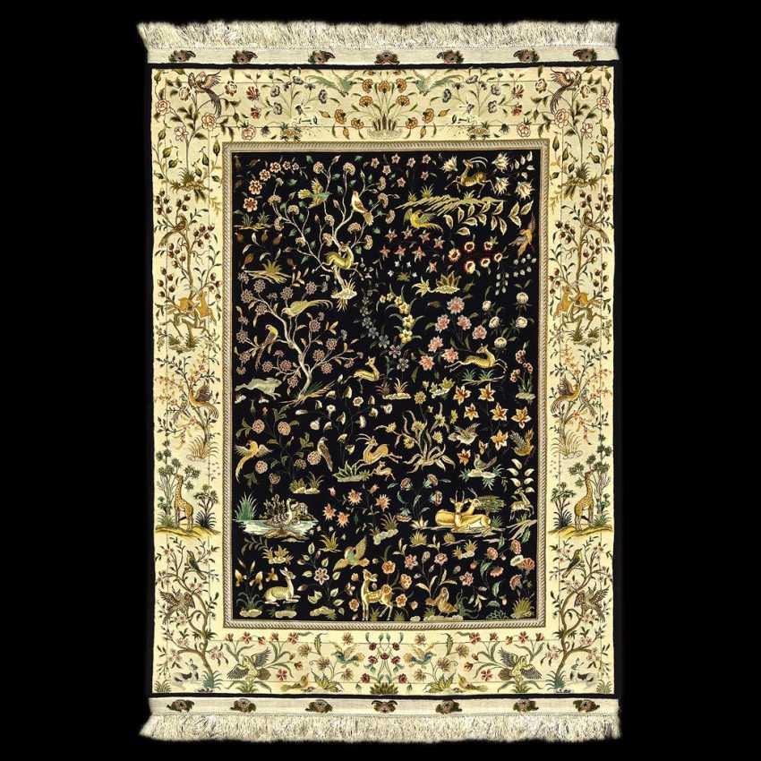 Tabriz Persian rug made of wool - photo 1