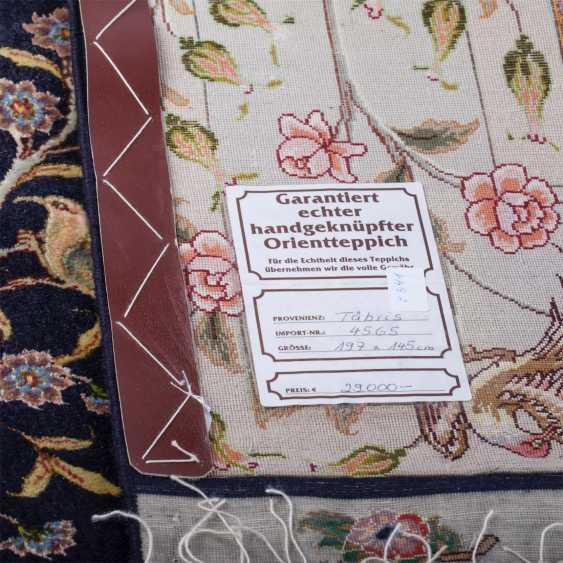 Tabriz Persian rug made of wool - photo 2