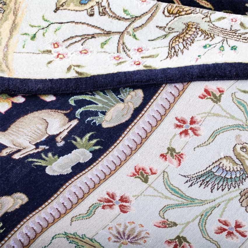 Tabriz Persian rug made of wool - photo 6