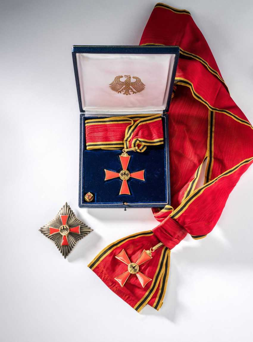 Order of merit of the Federal Republic of Germany - photo 2