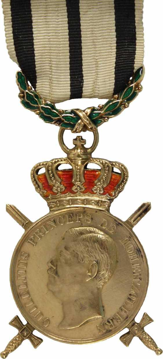 """Golden medal """"BENE MERENTI"""" - photo 1"""
