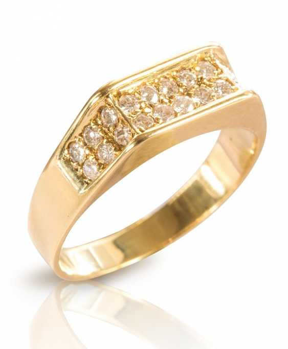 Ring with brilliant-cut diamonds - photo 1