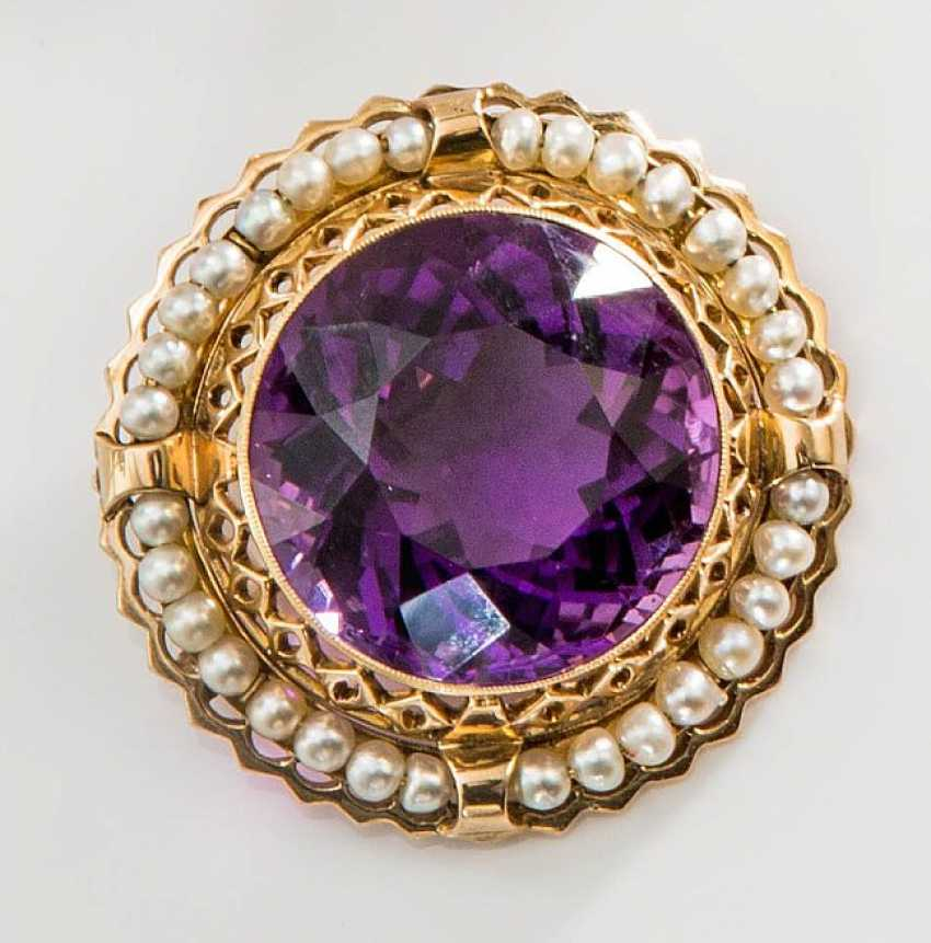Brooch with Amethyst and pearls - photo 1