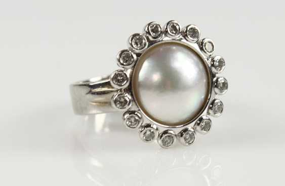 Pearl ring with diamonds - photo 1