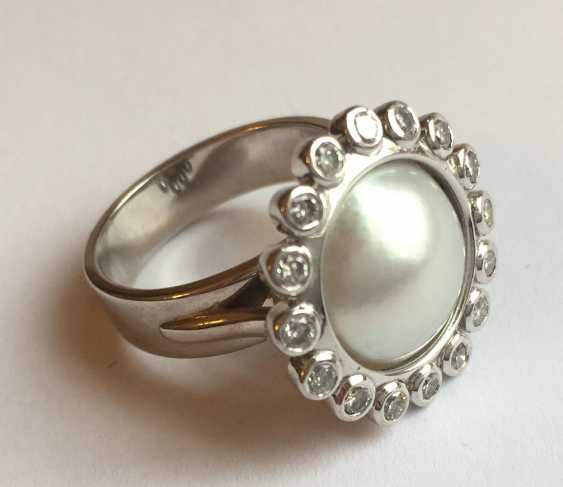 Pearl ring with diamonds - photo 2