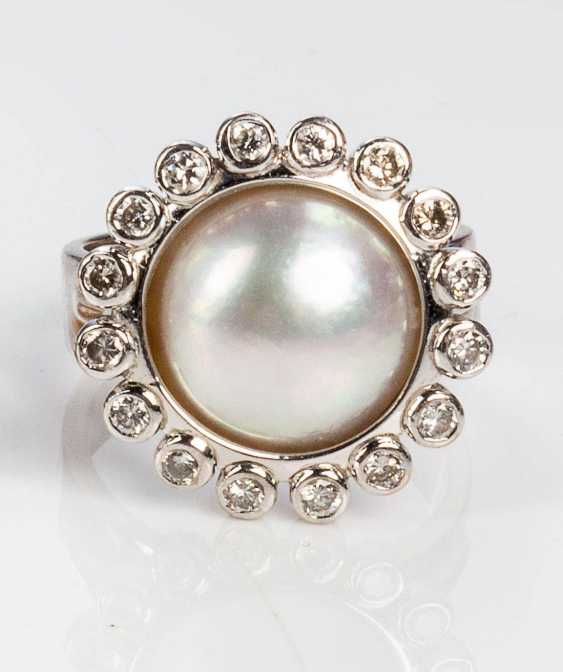 Pearl ring with diamonds - photo 3