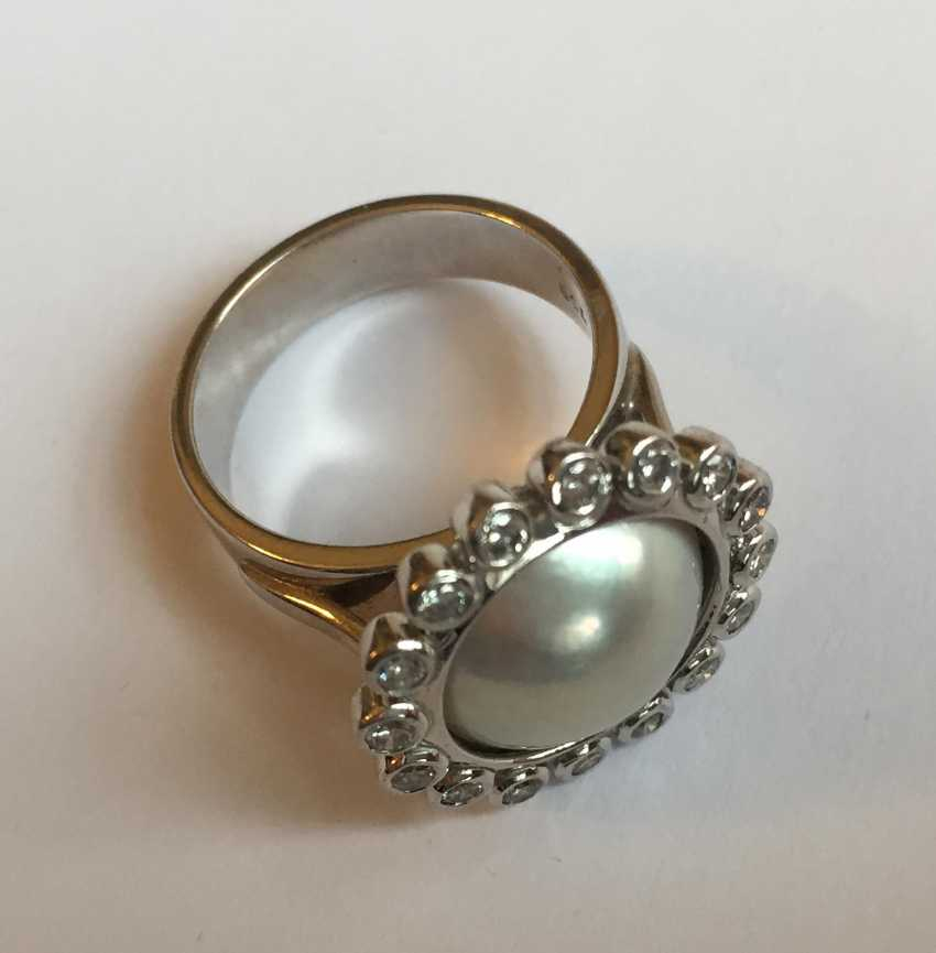 Pearl ring with diamonds - photo 4