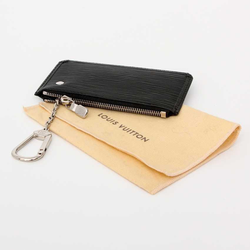 7e84591d9de8 Lot 53. LOUIS VUITTON elegant key case