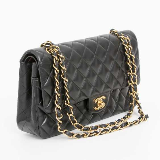 "CHANEL's coveted shoulder bag ""CLASSIC DOUBLE FLAP BAG MEDIUM"" - photo 2"