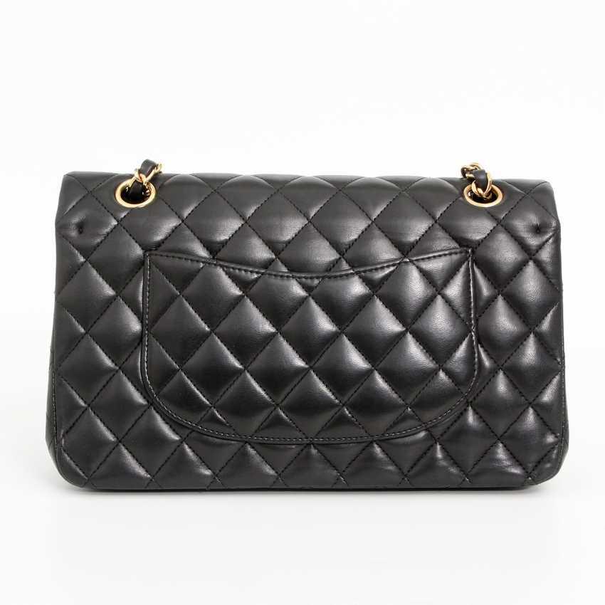 "CHANEL's coveted shoulder bag ""CLASSIC DOUBLE FLAP BAG MEDIUM"" - photo 4"