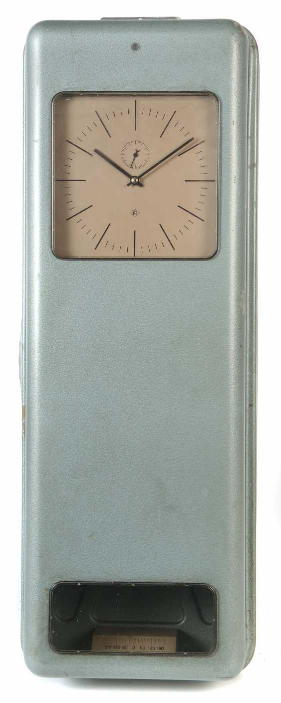 TN signal watch with a square dial Germany - photo 1