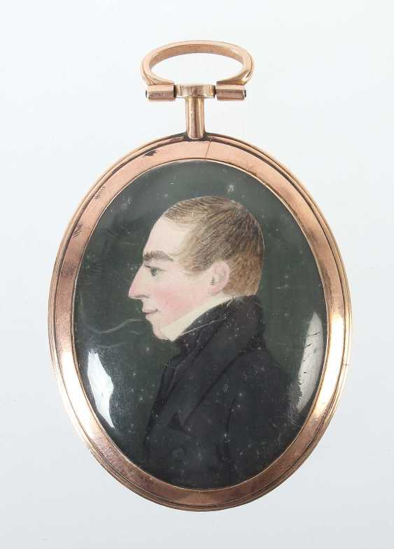 Miniature painting as a medallion at the end of 19th century. Century - photo 1