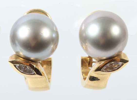 Pair Of Pearl Clip-On Earrings Modern - photo 1