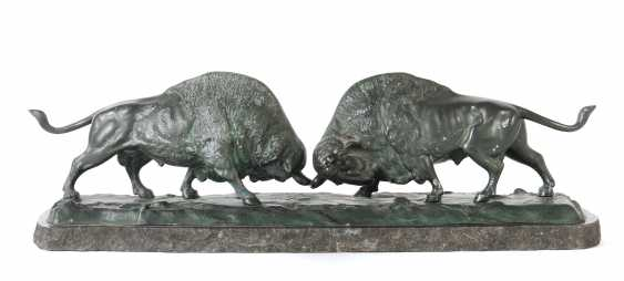 """Sculptor of the 19th century./20. Century """"Fighting Bison"""" - photo 1"""