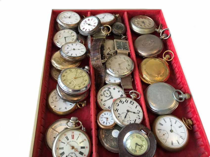 Pocket watch: a small collection of pocket watches/wrist-watches, CA. 1900-1970 - photo 1