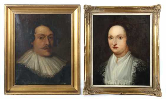 """Portrait painter of the 17th century./18. Century, Pair of Portraits: 1x """"portrait of a noble lady"""" in a black dress with a collar done to - photo 1"""