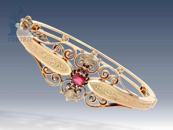 Bracelet: high quality crafted antique bangle bracelet with color stone, presumably Russia, around 1900 - photo 1