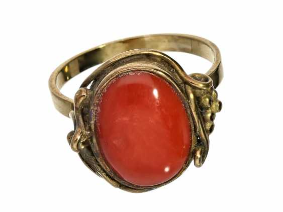 Ring: antique ladies ring with a beautiful dark red coral - photo 2