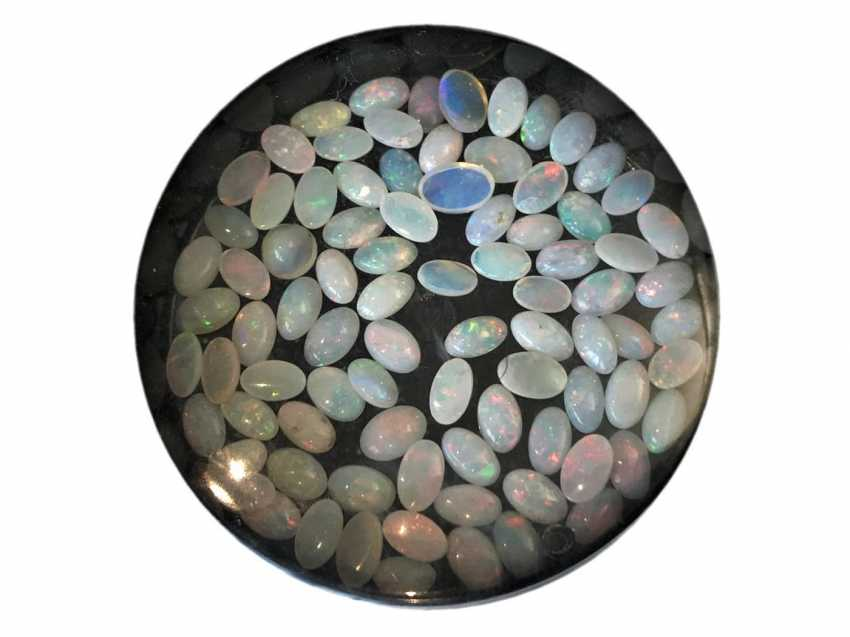 Stones: Large collection of opals, the rest consisted of goldsmiths estate - photo 1