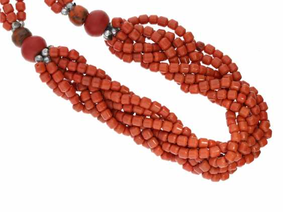 Chain: fancy vintage coral necklace - photo 1