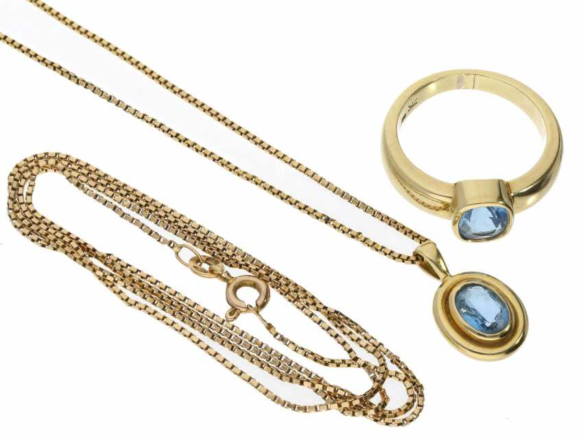 Ring/necklace/pendant: gold, solid gold ring, wrought with very fine aquamarine and matching pendants and 2 necklace chains - photo 1
