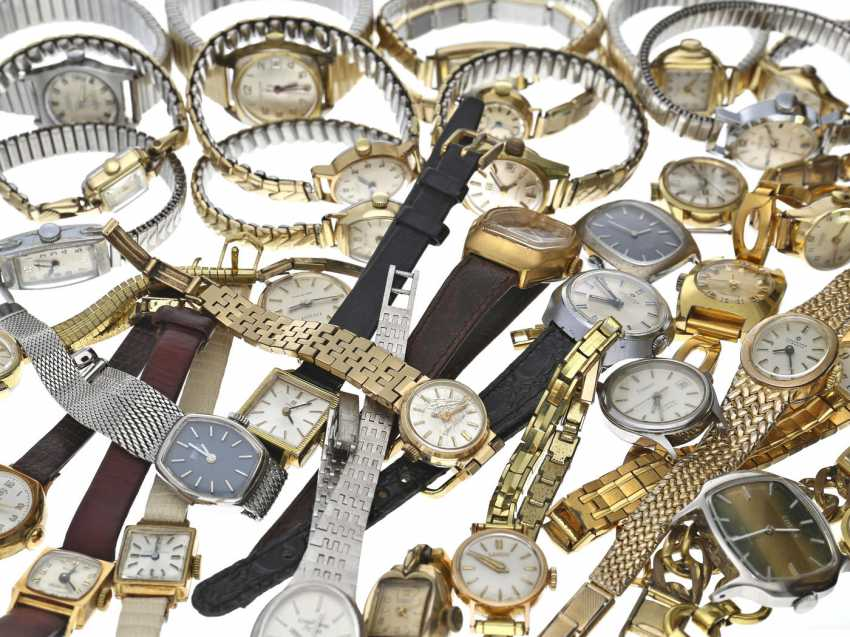 Watches: large mixed lot of vintage ladies watches from watchmaker estate - photo 1