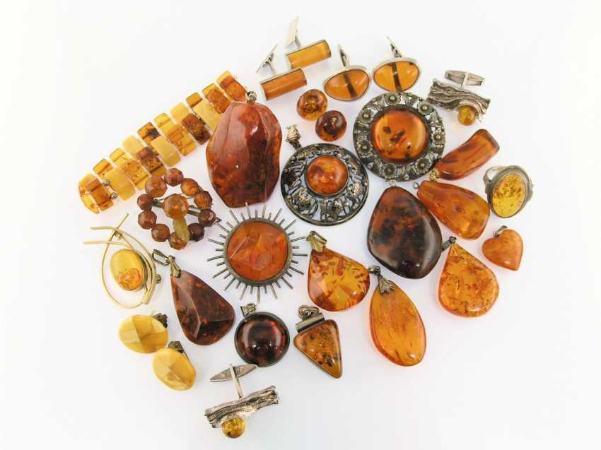 Pendant/brooch/bracelet/earrings: very interesting collection of amber jewelry, some handmade, treasure trove! - photo 1